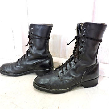 Vintage 80s Military Combat boots / Mens 6 R Womens 7 / 7.5 / RO Search boots  8 - 81 / Vulcan soles /  black leather boots