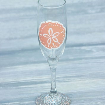 Sand Dollar Champagne Flute / Painted Champagne Glass, More Colors Available / Personalized Beach Wedding Favors