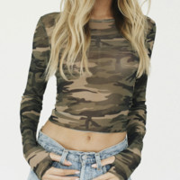 New camouflage mesh perspective slim navel T-shirt outer blouse