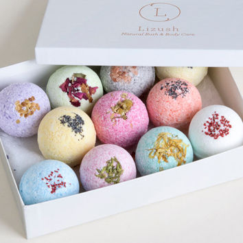 11 Bath Bomb Gift Set - 11 Bath bombs- Bath Bomb- Bath Salts fizzies - Relaxation Mani Pedi Gift Set- Natural bath fizzie gift set