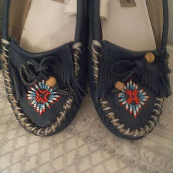 Vintage Teal leather beaded Moccasins ~ Woman's size 7 ~ Comfort Case ~ Leather