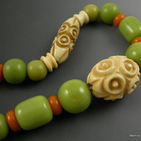 Art Deco Carved Celluloid and Bakelite Green and Butterscotch Necklace