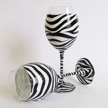 Hand Painted Wine Glasses/ Set of 2/ Zebra pattern- black and white/ Valentine's Day Wine Glasses / Birthday Gift / Wedding  glasses.