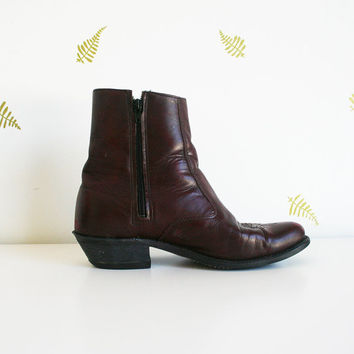 vintage 80s women's ankle boots / oxblood leather / almond toe / cuban heel / fall + winter / 8.5
