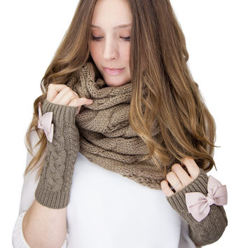 BROWN CABLE KNIT infinity knit scarf, cable knit infinity scarf, dark brown cable knit, knitted scarf