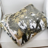 "REGAL Sherpa Luxury 60"" x 80"" Mink Bed Spread Blanket - The Wood's White Camo"