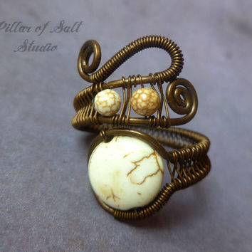 Boho ring, Wire Wrapped Ring, earthy jewelry, copper ring, White howlite wire wrapped jewelry handmade, wire jewelry, adjustable ring