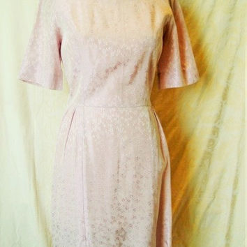Vintage 1950s Lavender Wiggle Dress /  50s Summer Dress / Purple Dress / Vintage Day Dress / Damask Dress