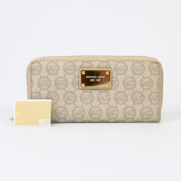 Michael Kors Jet Set Zip Around Continental Wallet
