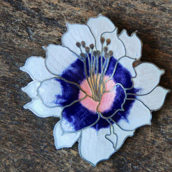 Vintage Cloisonne Flower Brooch White Blue Pink Enamel Water Lilly Mother's Day Gift Spring Jewelry 1980's // Vintage Costume Jewelry