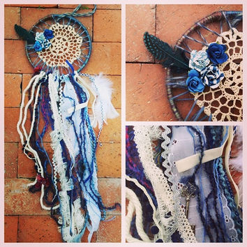 Dreamcatcher in country blues with crochet and by TheLittleBigShop