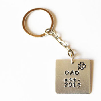 "Personalized 'Dad est."" Keychain.New dad gift idea.Personalized keychain for dad.Custom dad gift idea.Fathers day keychain.Fathers day gift"