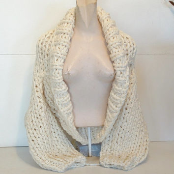 Super chunky shrug hand knit crop cardi cardigan sweater shawl collar long sleeves women medium large in cream