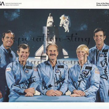 NASA Space Shuttle Challenger STS-41C Crew Astronaut Scobee Autographed Photo R2