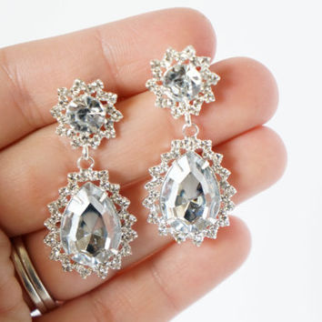 Diamond Dangle Plugs Gauges Available in 8g, 6g, 4g, 2g, 0g, 00g, 000g 8mm 10mm
