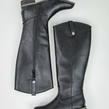 Radiant Rider Boots in Black