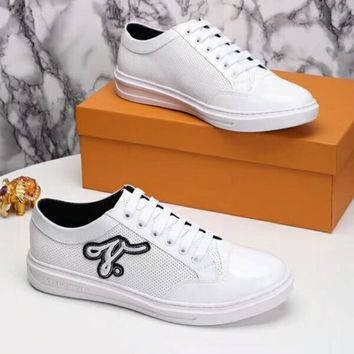 LV Louis Vuitton Fashion Summer Men Casual Embroidery Breathable Flat Sport Shoe Sneakers White I-OMDP-GD