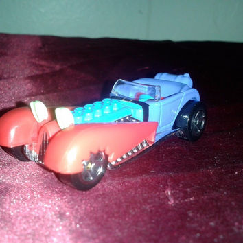 Hot Wheels 2013 Mr Krabs SpongeBob Square Pants Diecast Character Racecar. First Edition.