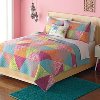 Home Classics Avery Statements Reversible Quilt Collection