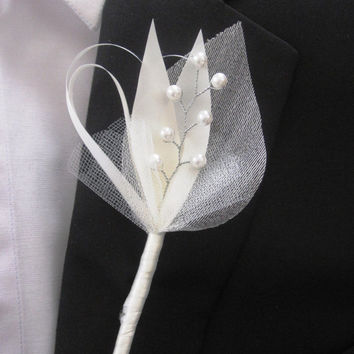 Groom and groomsmen boutonniere - Pearl fabric boutonnieres - Best Man Buttonhole - Set of 8