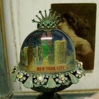 Vintage New York Liberty statue snow globe altered snowglobe souvenir shabby new york french chic home decor