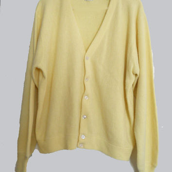 Men's Early 60s Vintage Classic Golf Cardigan Sweater 1960s Yellow Acrylic