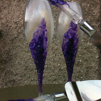 Geode wedding theme Set of 2 hand painted decorated champagne flutes Geode design in white and amethyst purple color