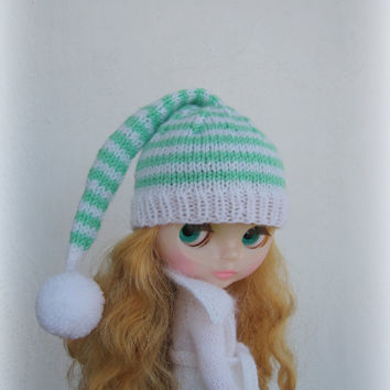 blythe hat. Knitted hat for Blythe doll, blythe outfit, gnome hat, pixie hat, beanie, blythe pompom hat, pompon hat, handmade