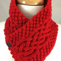 Neckwarmer Irish Celtic Knot Trinity Harvest Red Handknit Caron Simply