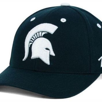 DCCKG8Q NCAA Zephyr Michigan State University Competitor Hat with Spartan