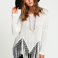 TASSEL KNIT TOP