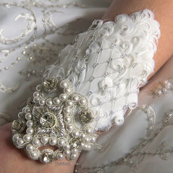 Silver Fairy Tale Wrist Corsage, prom corsage, wedding corsage, corsage bracelet,white feather corsage, corsages for prom,