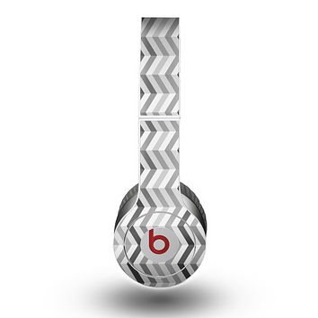 The Black and White Thin Lined ZigZag Pattern Skin for the Beats by Dre Original Solo-Solo HD Headphones
