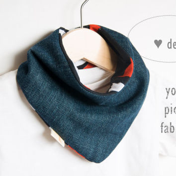 Bandana baby scarf bib  Denim - African fabric | Reversible | Pick your fabric | Baby shower gift | 100% cotton. Batik print . Choose color