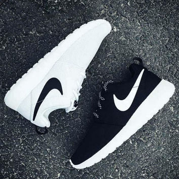 """NIKE"" Trending Roshe Fashion Casual Sports Shoes Black White"