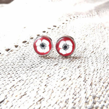 Red poppy earrings- Red post earrings- Flower ear posts- Handmade glass cabochon earrings- Red flower earrings- Gift for her