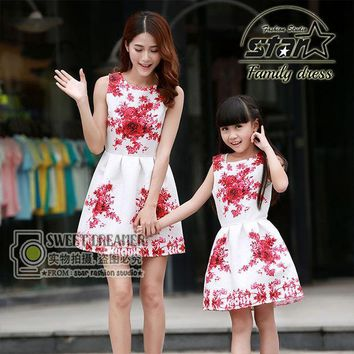 CREYWQA Mother Daughter Matching Dresses 2016 Brand Women Dress Princess Girls Short Dresses Flower Print Family Matching Clothes