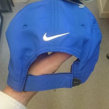 DCCK7BE NIKE GOLF CAP. ONE SIZE ADJUSTABLE *NEW*