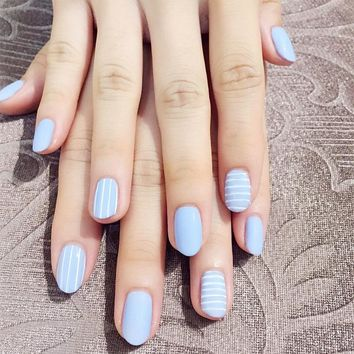 24pcs/Set Simple Horizontal Vertical Striped False Nails Summer Middle Long Round Head Blue Artificial Fake Nails with Glue