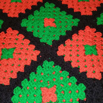 crochet chunky wool granny square sofa blanket Christmas colours red black green 100% ready for shipping free in uk perfect gift idea