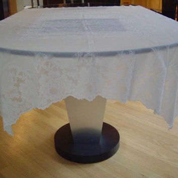 Vintage Vinyl Alencon Lace Tablecloth