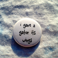 GATOR WINGS button
