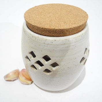 Garlic Keeper, Garlic Storage Jar, Kitchen Storage, White Kitchenware, Handmade Pottery