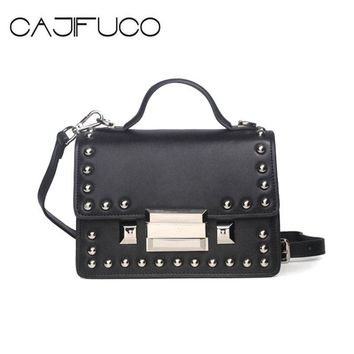 2017 Genuine Leather Studs Satchels Bag Spike School Bag Women Studded Cross Body Bag Metal Rivet Hasp Handbag Sac a Main Bolsas