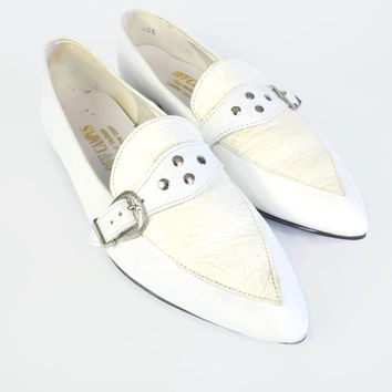 80s Southwestern Flats White Leather Flats Pointy Toe Flats Buckle Flats Two Tone Flats Strap Vintage Studded Flats Womens Shoes Size 5.5