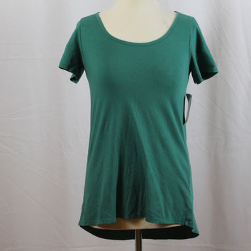 """LuLaRoe The Classic T Green-Colored Solid XS """"CT-3"""""""