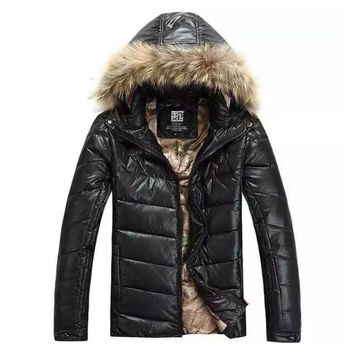 Free shipping 2017 New Winter Jacket Men Warm Cotton-padded jacket hooded Casual Parka Men padded Jacket with fur collar M-2XL