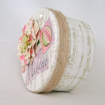 Small round gift box, keepsake decorative wedding jewel  trinket box, Altered paper papier mache box, elegant Parisian feel, soft pink,