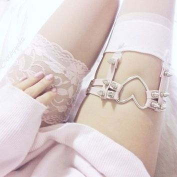 Charming cute Rock Pub Girl Garter Belt Rivets Harajuku Women Punk Leg Ring Thigh Harness Heart Garter Adjustable Size Sexy Toy