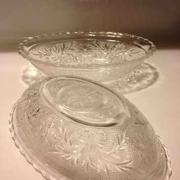 Indiana Glass Tiara Oval Serving Bowls Set of Two Daisy Sandwich Vintage 1970s